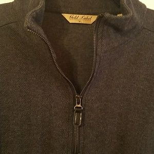 Roundtree and Yorke Gold Lable Sweater